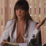 sexy-pics-from-horrible-bosses-jennifer-aniston-23531091-634-531